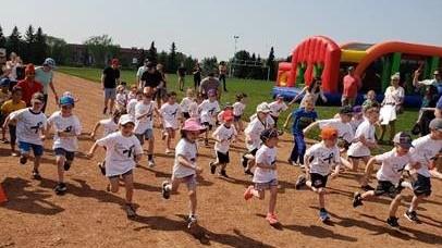 Children participating in the Food Allergy Fun Run fundraiser